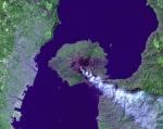צילום של הר געש פעיל ביפן מהחלל (sakurajima)