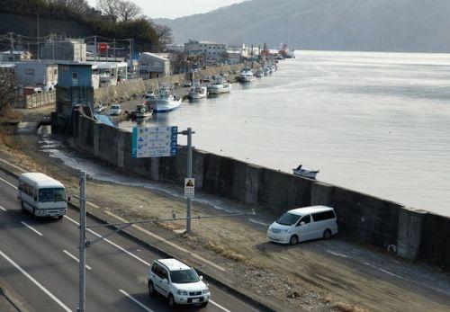 קו החוף ביפן בתמונה שצולמה דקות אחדות לפני גל הצונאמי ששטף את המדינה