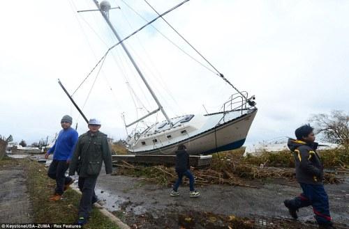 הסירות והיאכטות של הוריקן סנדי – Hurricane sandy yachts and boats