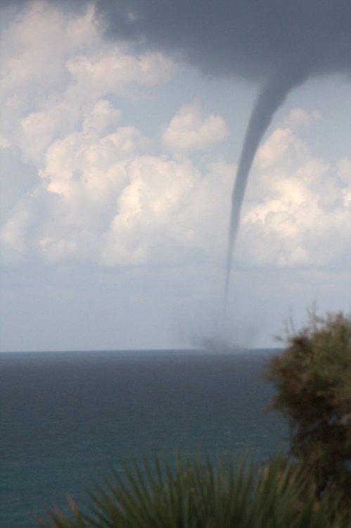 waterspout in Natanya City Israel - נד מים בחופי נתניה ישראל