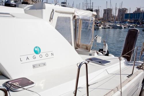 Lagoon 440 2009 owner for sale by tashoot yacht brokerage