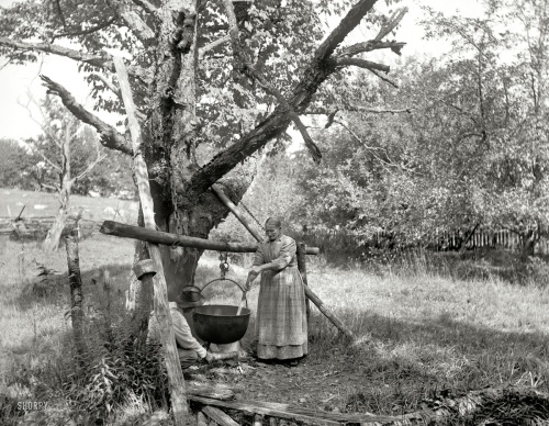 """1900 