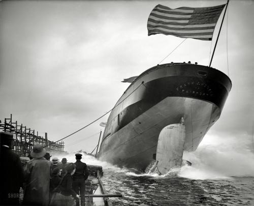 "1905 | St. Clair , Michigan . ""Launch of steamer Frank J. Hecker"""