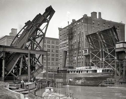 "1907 | Chicago , Illinois . "" Jackknife Bridge , Chicago River "" | Hans Behm"