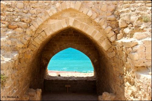 אפולוניה ארסוף - מבט מהמבצר העליון אשר יושב על שפת המצוק צופה מערבה.