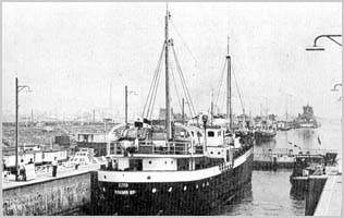 The MV Cito in Groningen harbour 1969 ספינת קול השלום תחת השם צ'יטו בנמל גרוניינגן הולנד